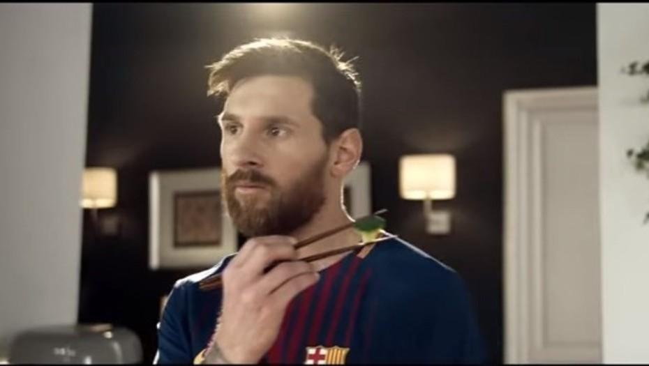 Jugadores del Barcelona lanzan campaña para que los pequeños de la casa coman saludable