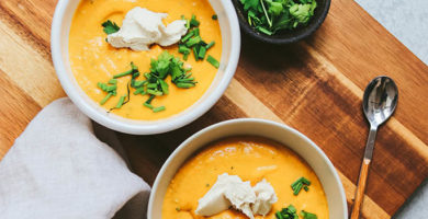 Rica sopa de coliflor vegana